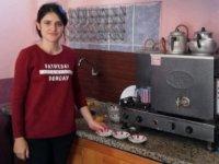 KPSS 84.'sü genç kız çaycılık yapıyor